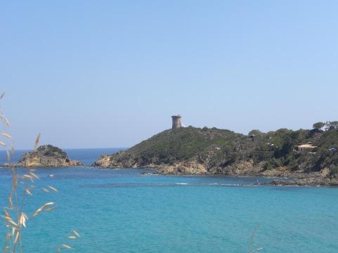 La tour génoise de Fautéa de loin