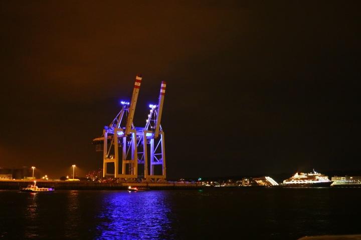 Hafenrundfahrt_Hamburg_bei Nacht
