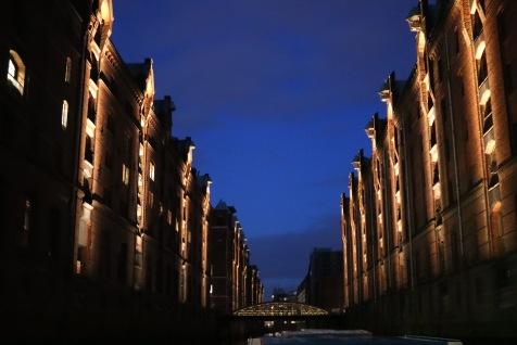 Speicherstadt_Hamburg_abendliche Hafenrundfahrt_Lichterfahrt