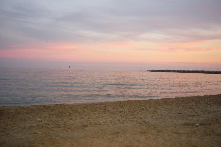 Wolkenbild_Barcelona_Barceloneta_Strand