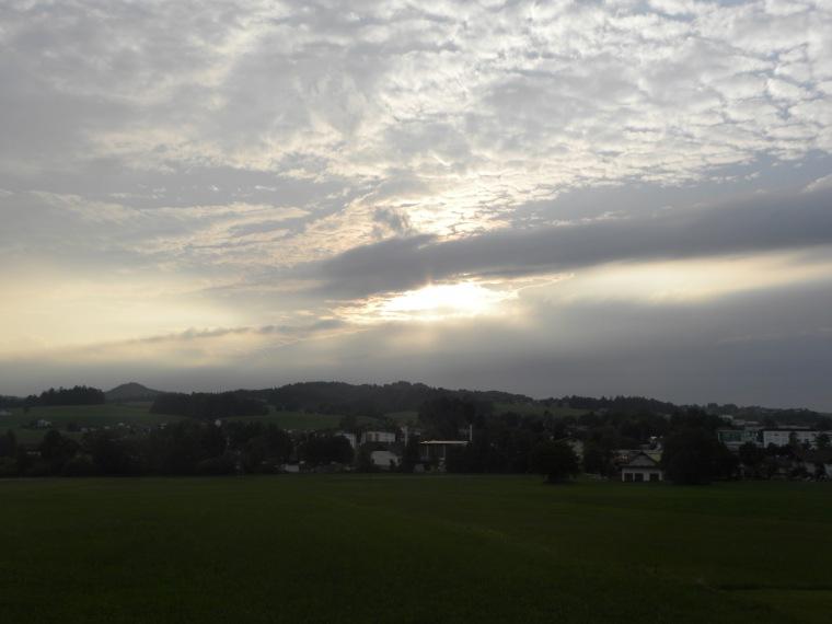 Wolkenbild_Frankenburg.jpg