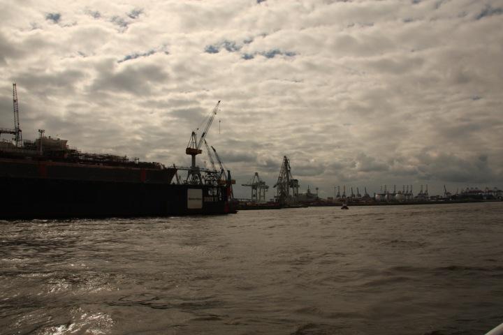 Wolkenbild_Hamburg_Hafen