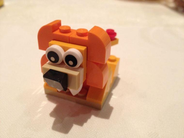 Der Gott der kleinen Dinge_Foto-Challenge_Lego-Hund.jpeg