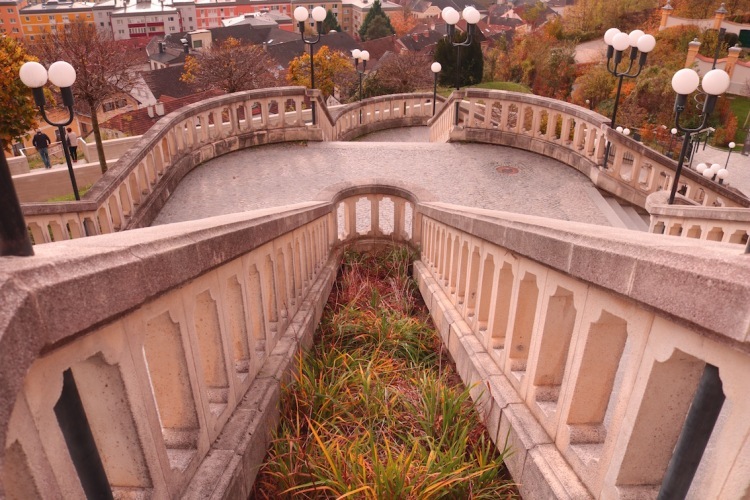 Der Weg über die Treppe