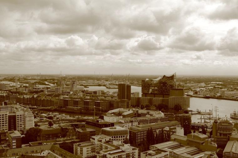 Hamburg vom Michel aus fotografiert
