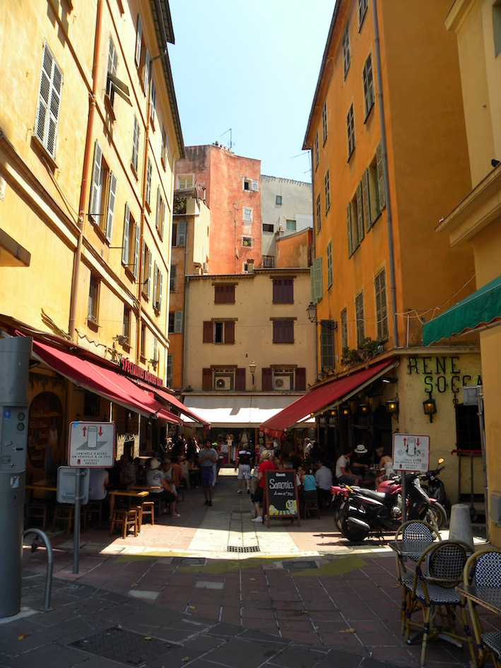 In der Altstadt von Nizza.jpg