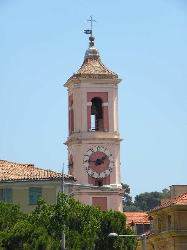 Rosa Kirchturm in Nizza