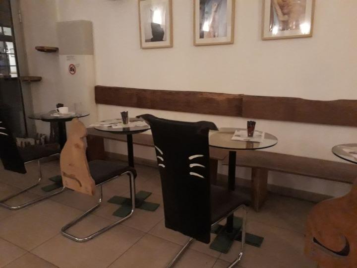 Einrichtung im Café Neko_Katzendesign