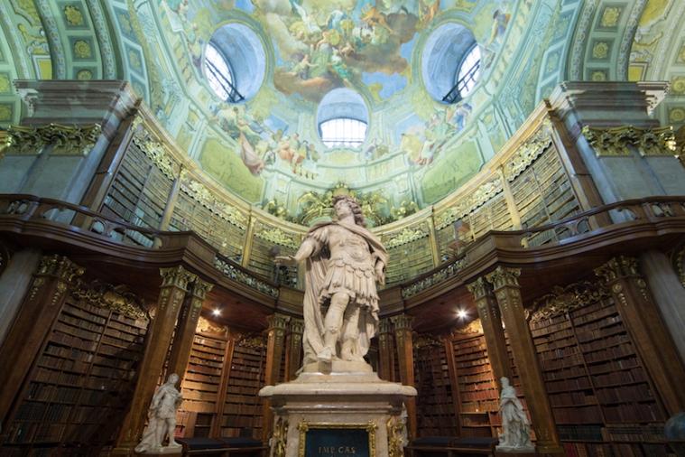 Der Prunksaal der Österreichischen NAtionalbibliothek_Karl VI