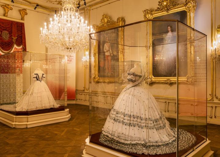 Sisi_Museum_Replik_des__Polterabendkleides
