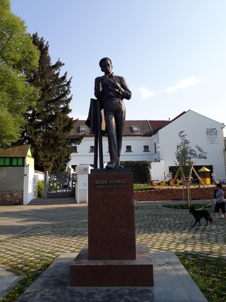 Egon Schiele Denkmal in Tulln