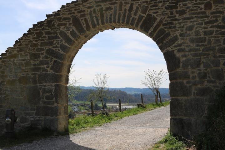 Lenzburg_Schlossmauer