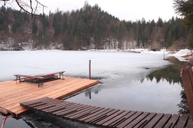 zugefrorener Toplitzsee.jpg