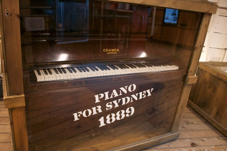 Piano Cutty Sark Exponate.jpg