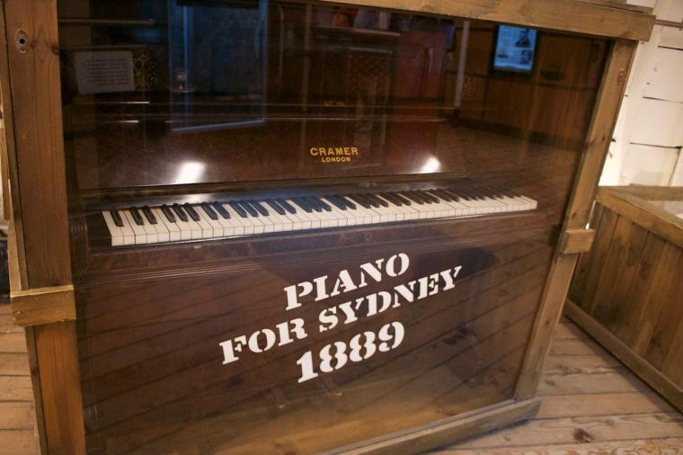 Piano Cutty Sark Exponate.jpg