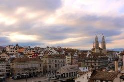 Zürich_Blick vom Lindenhof auf Grossmünster