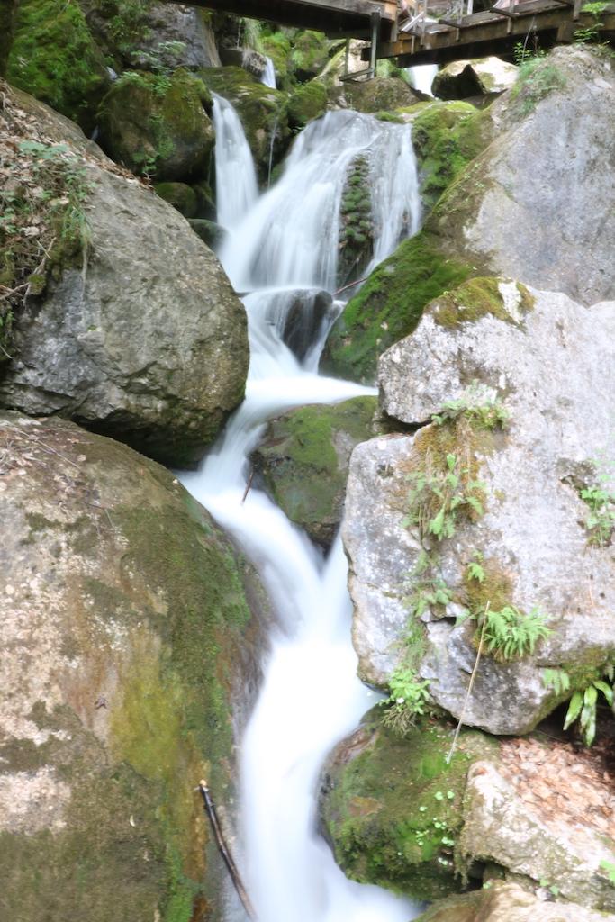 Wasserwelt Myrafälle Wasserfall Fotomotiv.JPG