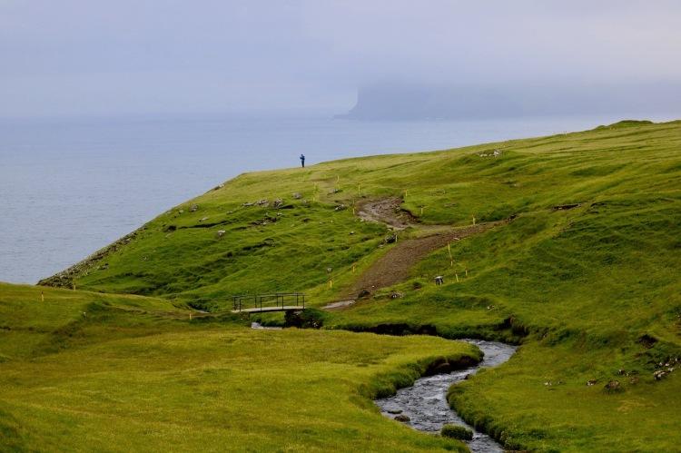 Färöer-Inseln im Sommer - Gásadalur