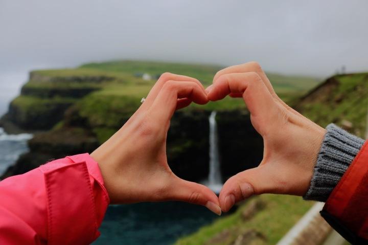 Roadtrip Färöer-Inseln_Sehenswürdigkeit_Mulafossur Wasserfall