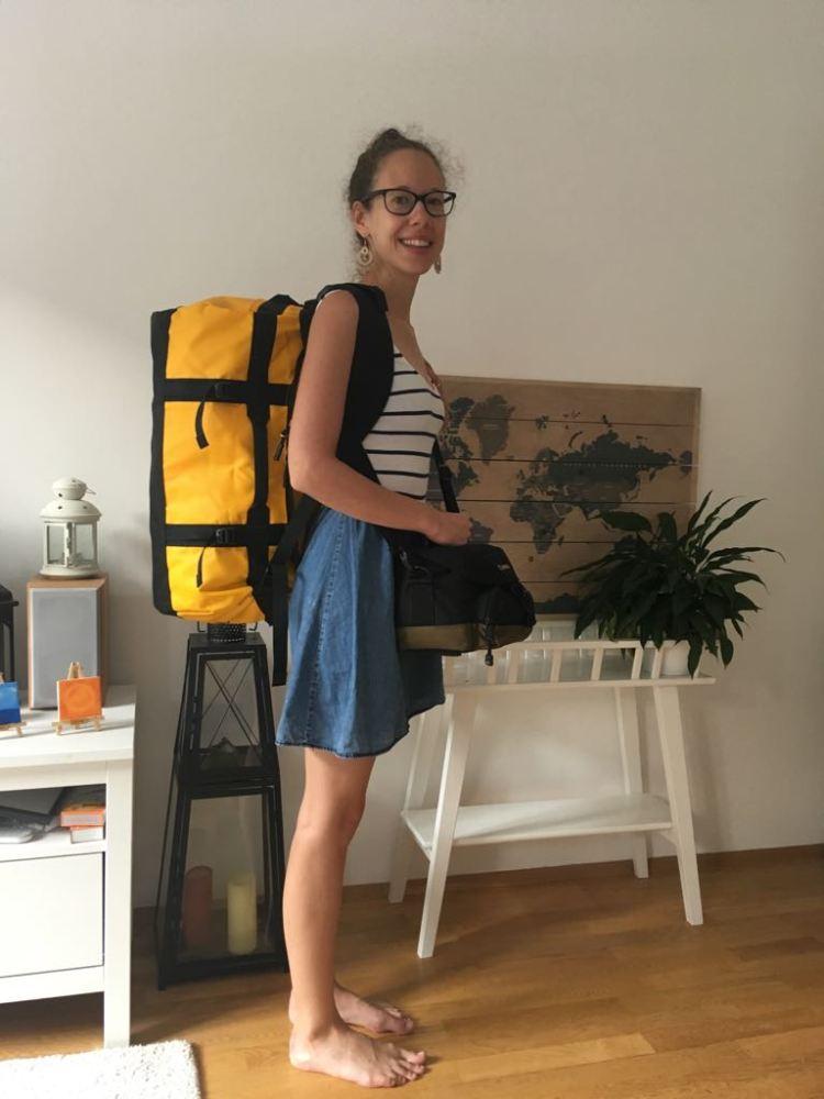 Ich mit meinem neuen North Face Rucksack