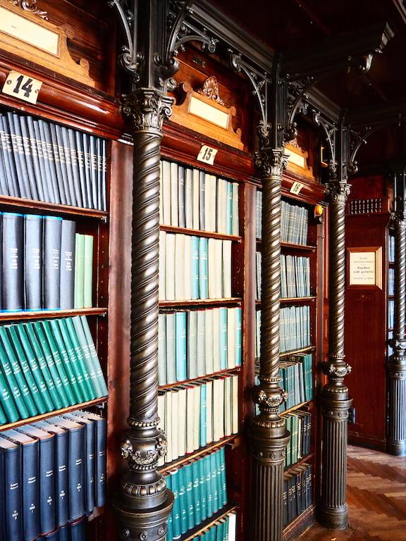 Große Bibliothek