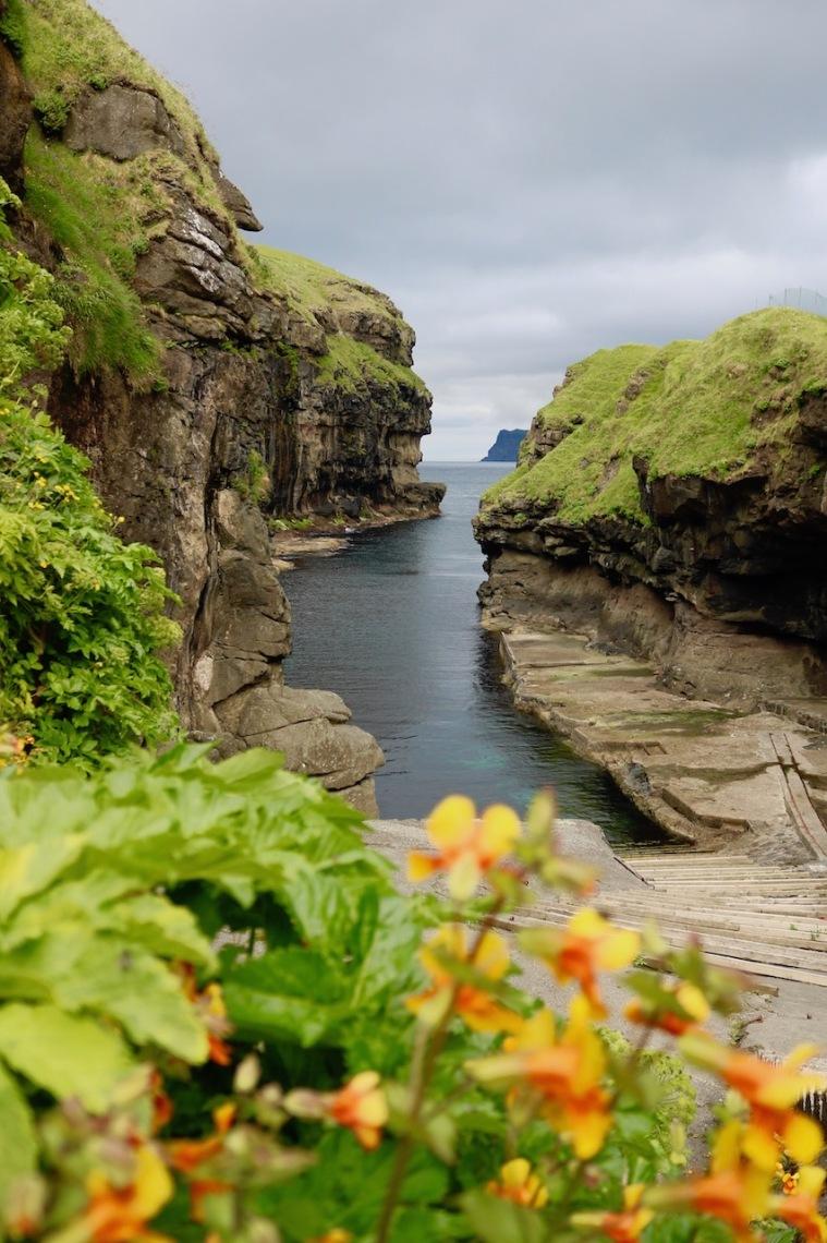 Färöer Inseln_Schlucht von Gjógv