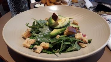 veganer Avocadosalat im Café Kaspar in Tórshavn