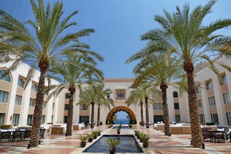 Masakt-Muscat-Hotel_Shangri-La_al_Husn