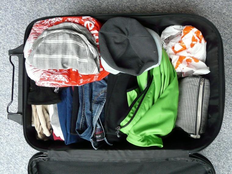 koffer packen. reisepacklisten erstellen mit app packpoint