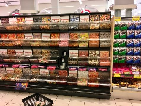 Die größte Süßwarenabteilung, die ich jemals gesehen habe, befindet sich auf den Färöer-Inseln.