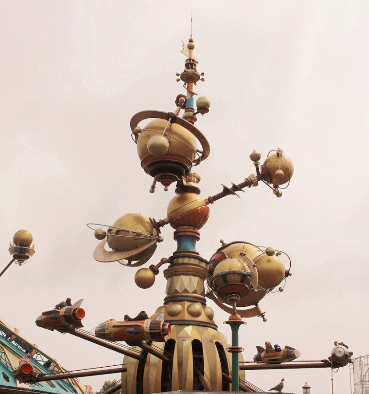 disneyland-paris_discoveryland_orbitron.jpeg