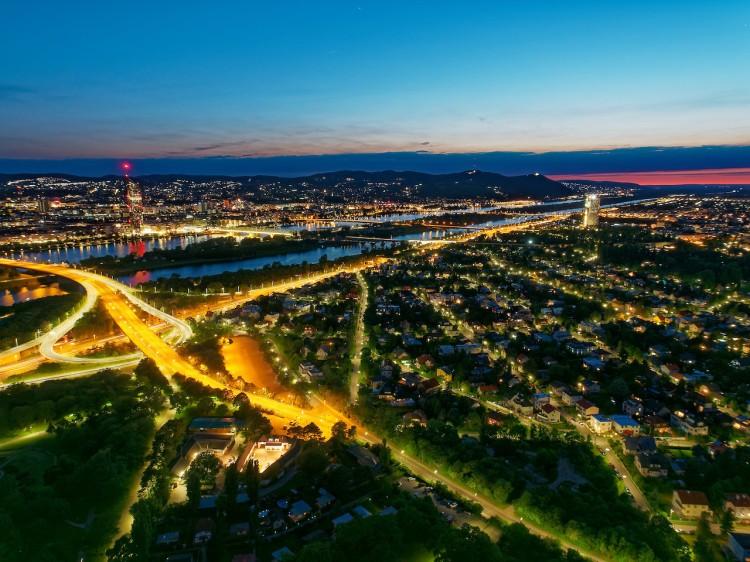 Wien bei Nacht Donauturm