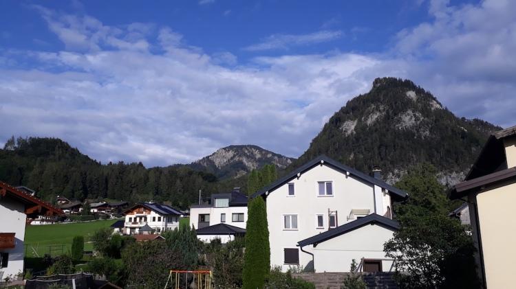 Unterkunftstipp am Fuschlsee_Frühstückspension Haslgut_Blick vom Balkon_Ellmaustein
