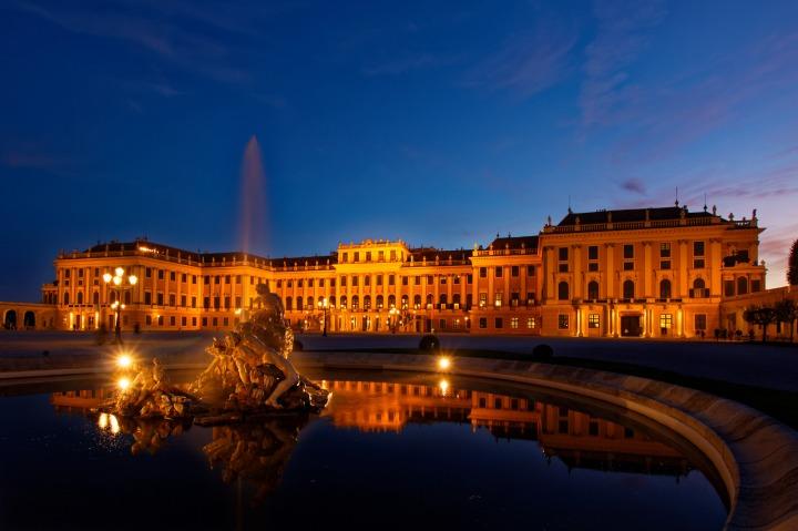 Schönbrunn Wien Fotospot Blaue Stunde